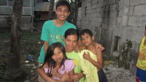 Tet Garcia and her family (photo by JHOANA PAULA TUAZON / The Filipino Connection)