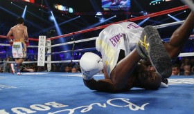 With how Timothy Bradley fell down on the ninth round given a Manny Pacquiao left to the American's face, do you think this fight ends the Filipino boxer's storied career? (photo from Top Rank Español's Facebook page)