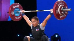 Diaz he misses on her first attempt in the snatch at 83kg. (screengrab from www.teamusa.org/usa-weightlifting/live)
