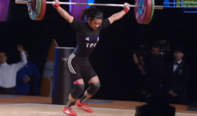 Reigning Olympic champion Hsu-Shu-Ching of Chinese-Taipei botched her final lift in the snatch. This lift also led her to a shoulder injury and she did not finish the competition (screengrab from www.teamusa.org/usa-weightlifting/live).